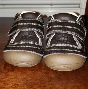 New brown toddler stride rite